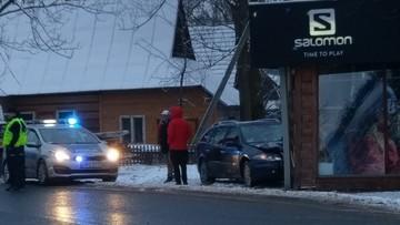 Samochód wjechał w budynek wypożyczalni nart w Białce Tatrzańskiej