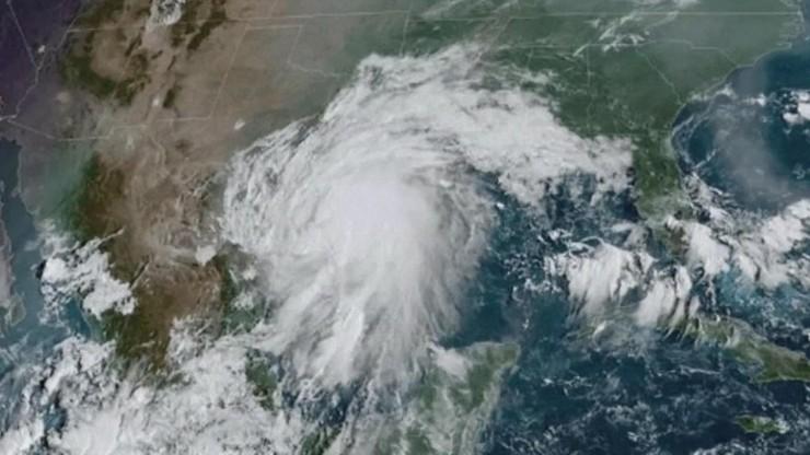USA. Burza tropikalna Nicholas zbliża się do Teksasu. W Houston już są zalane autostrady