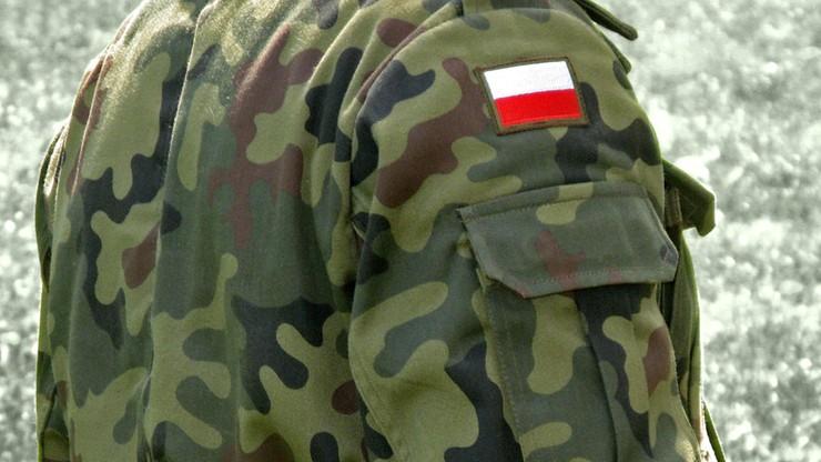 Zakaz noszenia mundurów podczas zgromadzeń. Opublikowano rozporządzenie