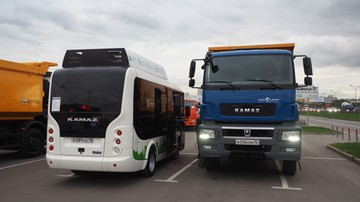 """""""Nie poddamy się"""". Na Ukrainie rozszerza się blokada rosyjskich ciężarówek"""