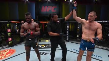 UFC Vegas 33: Strickland wypunktował Halla i odniósł piąte zwycięstwo z rzędu