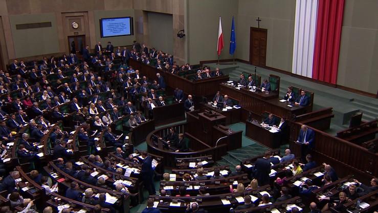 Kantar Public: PiS i PO utrzymują wynik, rośnie poparcie dla SLD