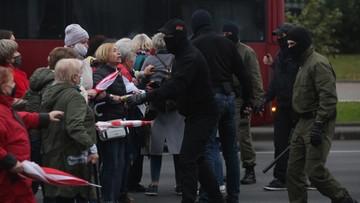Protesty na Białorusi. Przeciw emerytom użyto gazu łzawiącego i granatów hukowych