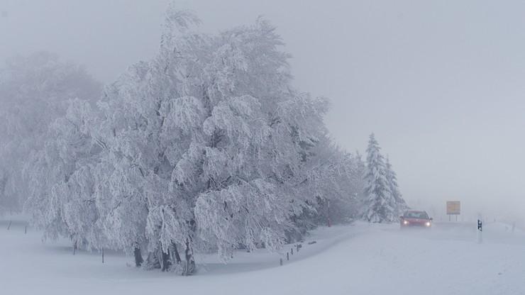 Śnieżyce w Austrii. 9 tys. gospodarstw bez prądu