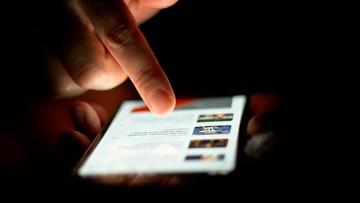 UKE: 9 na 10 Polaków korzysta z telefonów komórkowych