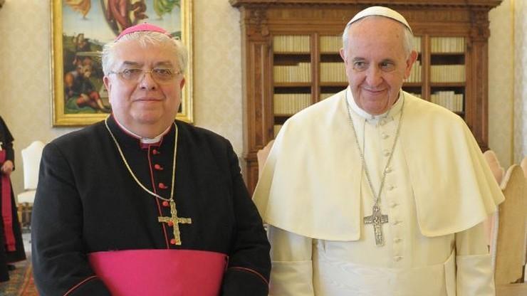 Papież przyjął rezygnację biskupa bydgoskiego Jana Tyrawy. W tle zaniedbania
