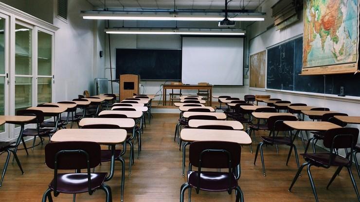 Hiszpania. Nauczyciel biologii zawieszony za mówienie, że istnieją tylko dwie płcie: męska i żeńska