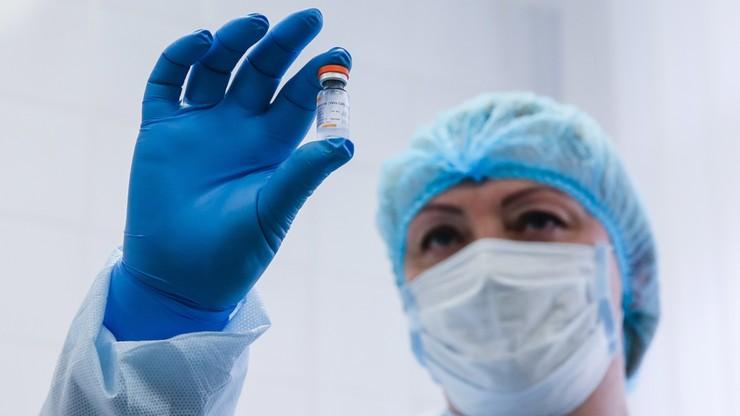 Przyspieszenie szczepień. 3,6 miliona dawek do końca miesiąca