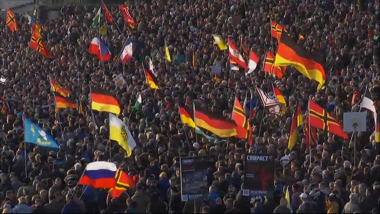 """""""Merkel musi odejść"""". Wielka antyimigrancka manifestacja w Dreźnie"""