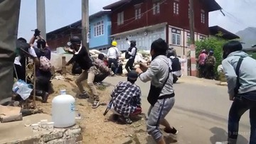 """Protesty w Birmie tłumione niemiecką bronią? """"Robią dobre interesy z reżimem"""""""