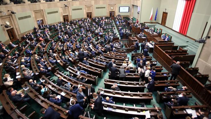 PiS poprawia ustawę o podatku od odpraw dla prezesów spółek skarbu państwa