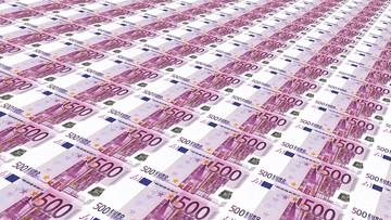 W samolocie znaleziono ponad 400 tys. euro. Sąd: pieniądze należą do państwa