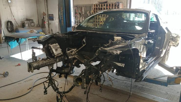 Wypożyczył mustanga, by go ukraść. Policjanci znaleźli samochód rozebrany na części