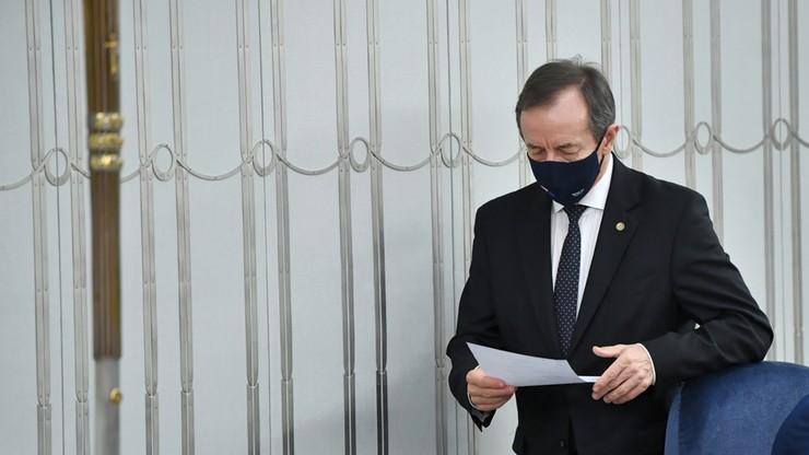 Marszałek Senatu: wzywam rządzących do podjęcia dialogu z Narodem