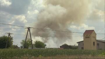 Pożar nielegalnego składowiska śmieci pod Opolem. Na miejscu 36 jednostek straży