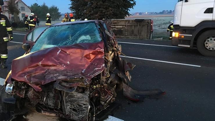 Był pijany i poszukiwany. Doprowadził do wypadku z udziałem czterech aut