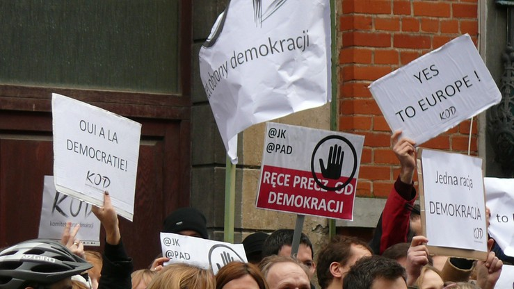 Manifestacja KOD w Brukseli