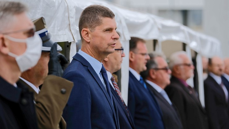 Trela: czy minister Piontkowski przez dwa miesiące sobie bimbał?