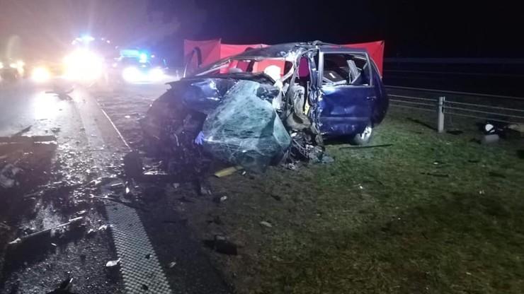 Czołowe zderzenie na S8. Dwóch kierowców nie żyje
