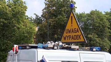Czołowe zderzenie na wiadukcie w centrum Gdańska. Kobieta jechała pod prąd [WIDEO]