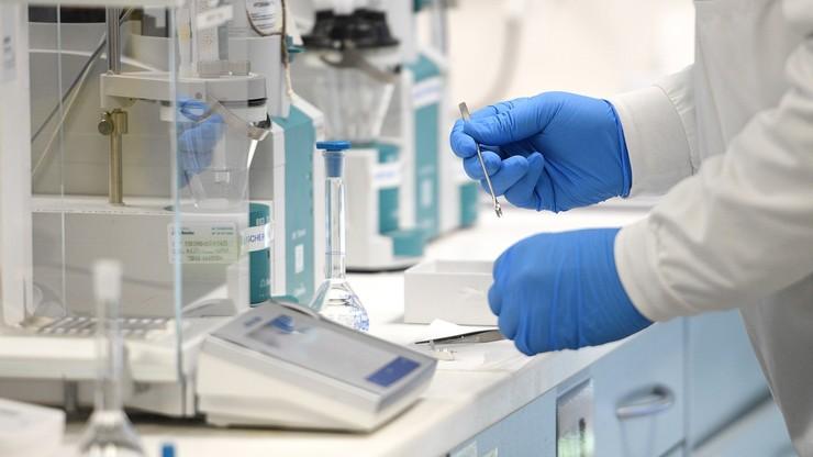 Szczepionka na COVID-19. Włosi rozpoczynają testy na ochotnikach