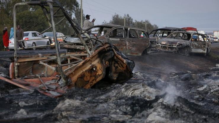 """""""Ludzie płonęli żywcem"""". Wybuch cysterny z gazem na kenijskiej drodze"""