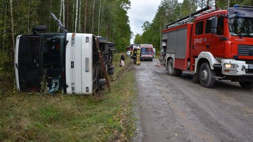 Wypadek autobusu z dziećmi niedaleko Kozienic. Kilkanaście rannych osób