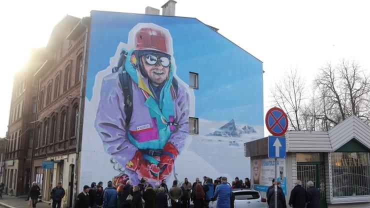 W Katowicach odsłonięto mural upamiętniający Kukuczkę