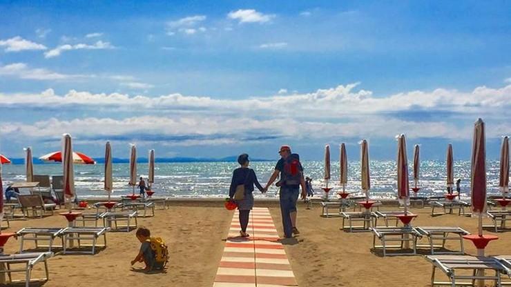 Wakacje dla medyków za darmo. Włoski kurort jak Hel i Krynica Morska