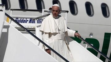 """Papież z wizytą na Lesbos. """"Lecimy na spotkanie największej katastrofy po drugiej wojnie światowej"""""""