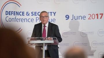 """Juncker wzywa Czechy do zmiany decyzji w sprawie uchodźców. """"Byłem bardzo niezadowolony"""""""