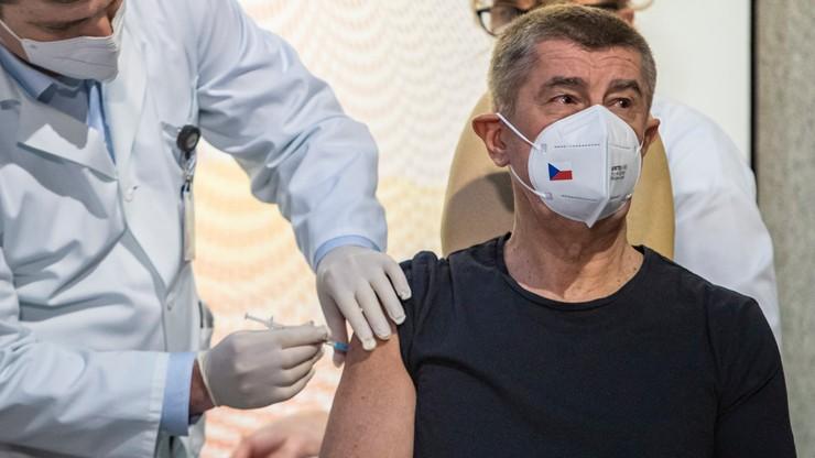 Czechy: premier pierwszym zaszczepionym przeciwko Covid-19