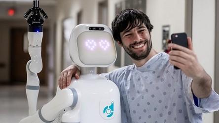 Robo-pielęgniarka udowadnia, że pandemia CoVID-19 to złote czasy dla robotów (film)