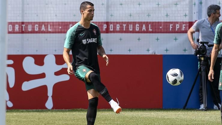 Irańscy kibice próbowali zakłócić sen portugalskich piłkarzy. Ronaldo poprosił gestami o ciszę