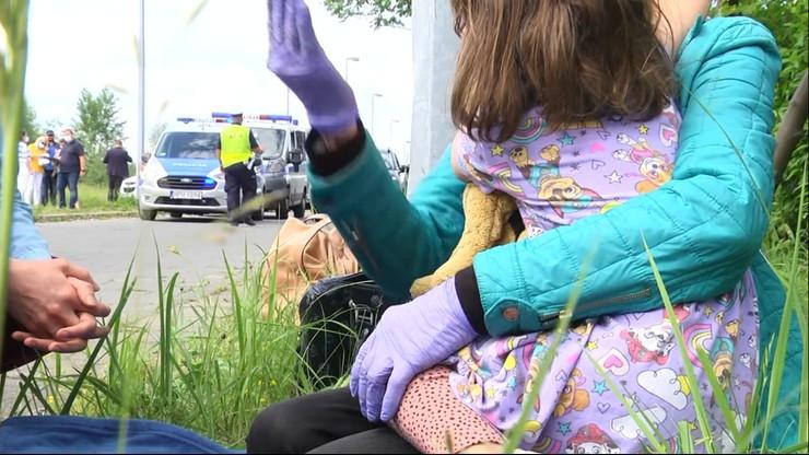 Łzy dziecka, interwencja policji i dramatyczny spór o los czterolatki