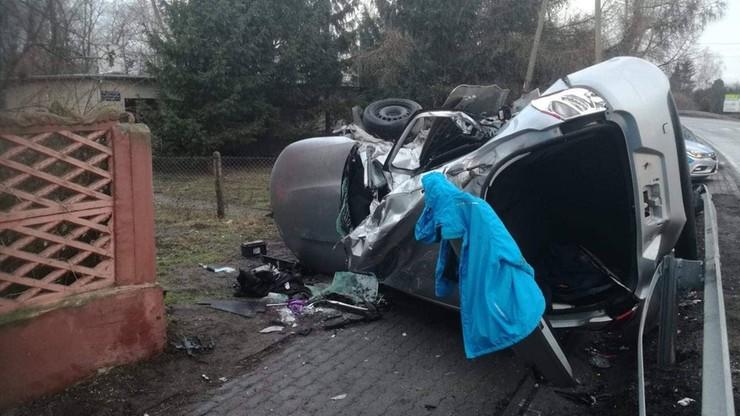Tragiczny wypadek w Kujawsko-Pomorskiem. W zderzeniu ciężarówki z autem osobowym zginęły trzy osoby