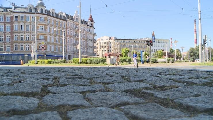 Pięcioletni chłopczyk błąkał się po Wrocławiu. Mieszkał sam kilka dni, bo matka wyszła
