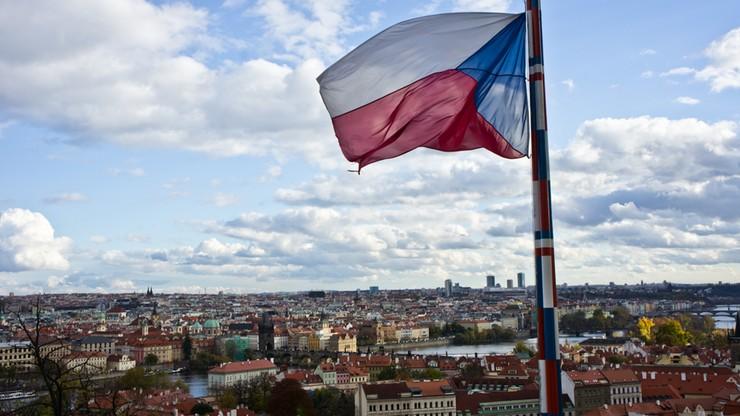 Prezydent Czech chce referendum ws. dalszego członkostwa w UE i NATO