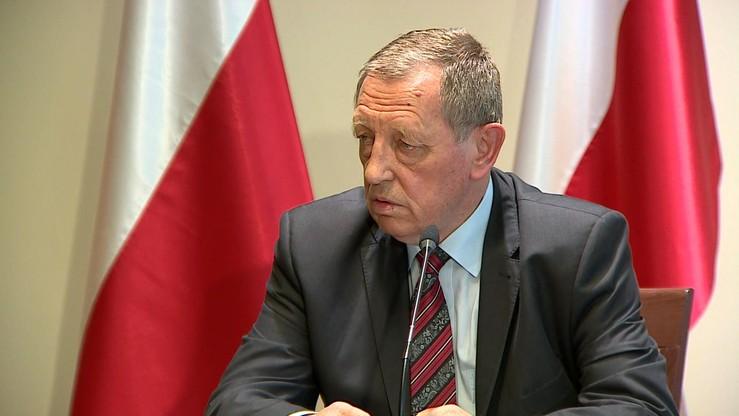 """Leśnicy mają """"spontanicznie"""" zademonstrować poparcie dla ministra Szyszki. Borusewicz ujawnia mail"""