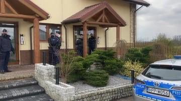 Wodzisław Śląski. Policjanci podejrzewają nielegalną imprezę. Restaurator zarzuca nękanie