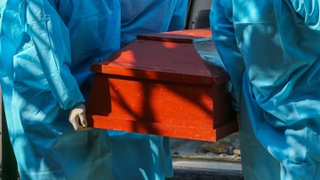 Urzędnicy obstawiali liczbę zmarłych na Covid-19. Zwycięzca dostawał pieniądze