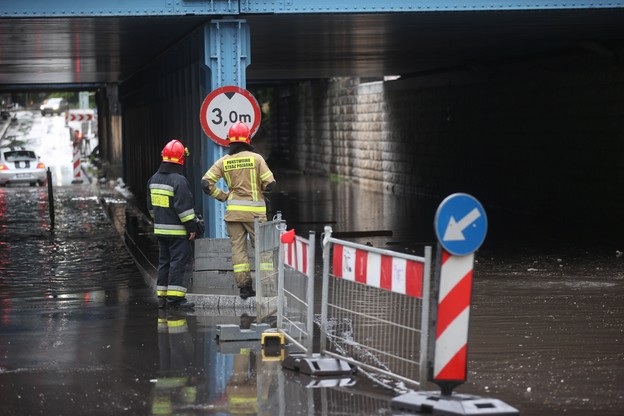 Zalany tunel przy ulicy Prądnickiej w Krakowie