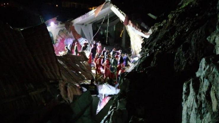 Na weselników zawalił się dach. Nie żyje 15 osób, 30 rannych