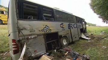 Autobus zjechał z drogi do rowu na autostradzie A4. 11 osób poszkodowanych