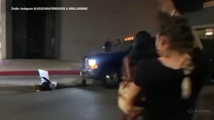 Furgonetka wjechała w demonstrantów. Kierowca próbował uciec [WIDEO]