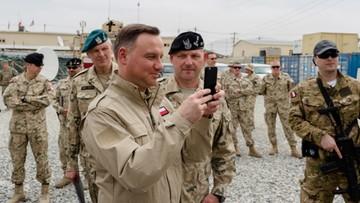 Prezydent w mundurze z wizytą w Afganistanie. Zapowiedział zwiększenie kontyngentu