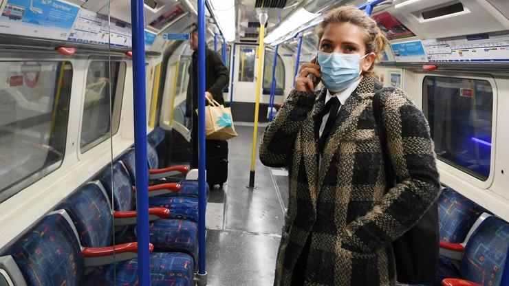 """Rozprzestrzenianie infekcji w celu uodpornienia Brytyjczyków? """"Epidemia dotknie milionów"""""""