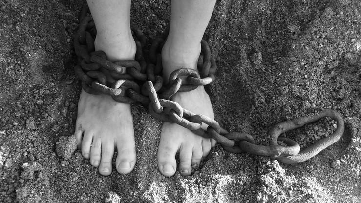 Uwięzieni przez somalijskich piratów przeżyli prawie 5 lat, jedząc szczury