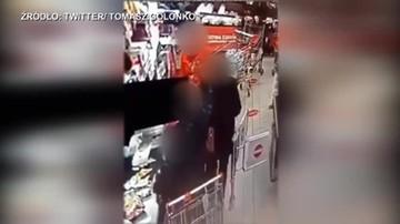 Bójka w sklepie. Nie miał maseczki, uderzył kobietę prosto w twarz