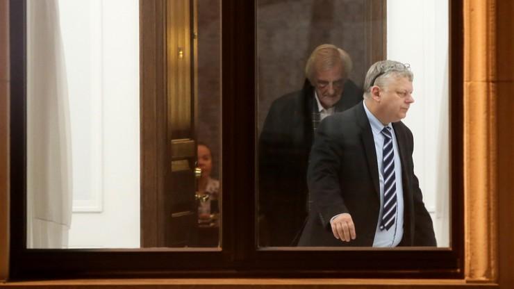 Suski vs Szczerba - spór o upadek w Sejmie. Obaj zapowiadają procesy
